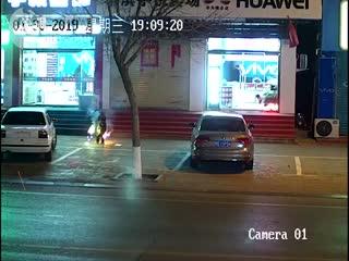 赤峰男童引爆窨井,警方训诫其监护人